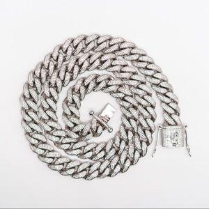 Jewelry - Cuban link chain
